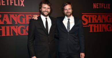 Irmãos Duffer na Premiere de Stranger Things