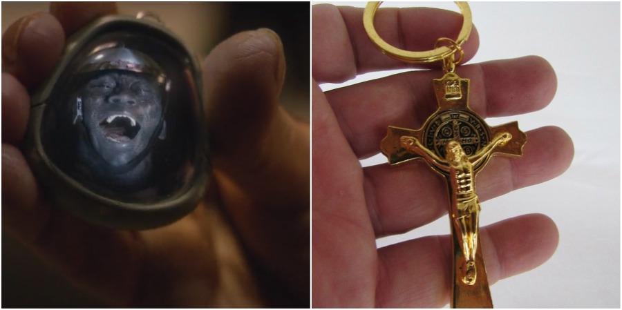 Black Mirror - Comparação chaveiro Clayton Leigh com crucifixo Jesus