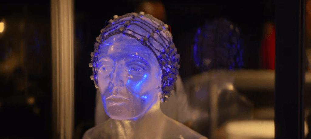 black mirror - black museum - aparelho neurológico - médico peter dawson