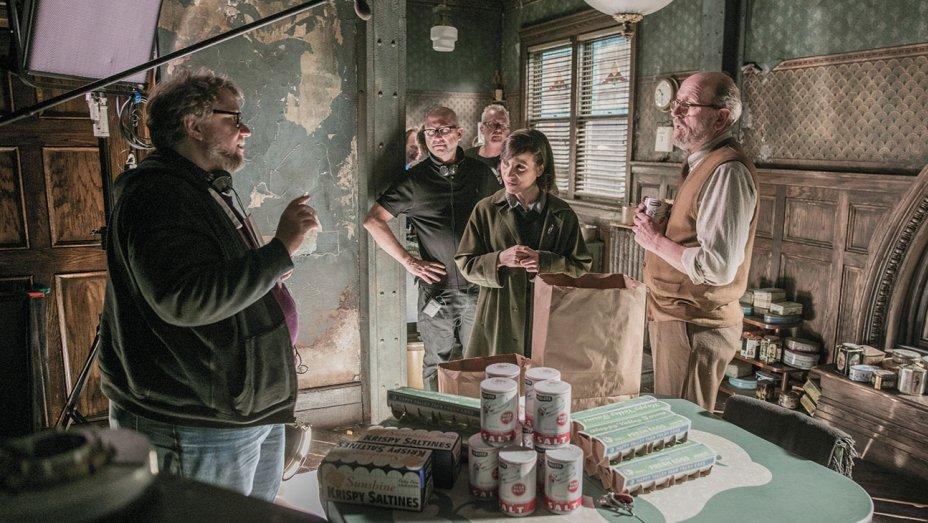 Guillermo Del Toro dirigindo em A Forma da Água